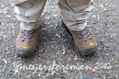 Old Boots and the Camino Yellow Arrow